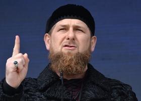«Ай, моська, знать, она сильна»: Кадыров наложил санкции на Трампа и Меркель