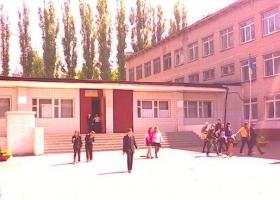 Возле школы в Одессе произошла стрельба: владельца оружия задержали