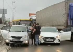 Под Киевом водитель решил