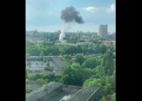 В Одессе прогремел взрыв на подстанции: часть города – без воды и света