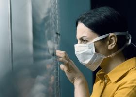 """Ситуация с коронавирусом в Украине ухудшается: уже восемь областей отвечают """"оранжевой"""" зоне"""