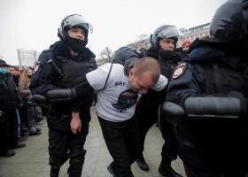 Новый рекорд: на митингах за Навального задержали более трех тысяч человек