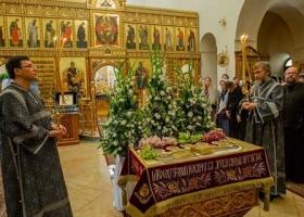 Побольше святости: Новинский завербовал Мураева в иподиаконы