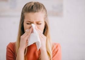 Британские ученые нашли особый симптом у COVID-вакцинированных
