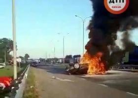В машине, попавшей в ДТП, сгорела  женщина