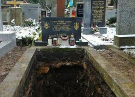 «Казус Олеся»: нужен ли Украине Пантеон почетных захоронений?