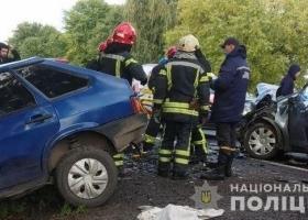 Под Львовом при столкновении четырех авто погибли три человека