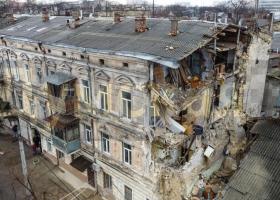 Являлся памятником архитектуры: в центре Одессы частично обрушился жилой дом