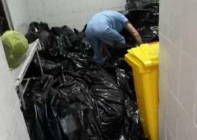 В России разгорелся скандал из-за фото мешков с трупами больных COVID-19