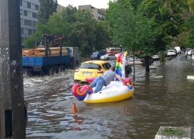 Не забудьте зонтики: сегодня Киев накроет ливень