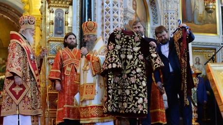 Маразмы дня: выпускной в Печерском суде, безотчетный Гройсман и презент для патриарха Кирилла