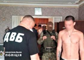 Двух мужчин, которые ограбили полицейского и нацгвардейца в Сумах, задержали