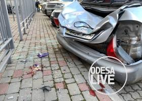 Чудом выжил: в Одессе мужчина выпрыгнул из окна 23-го этажа