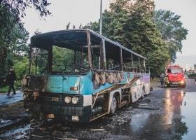 В столице сожгли пассажирский автобус (ФОТО)