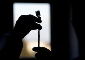 В Индии почти у 600 человек обнаружили побочные эффекты от вакцины против коронавируса