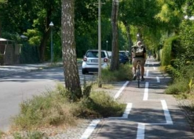 Абсурдная зигзагообразная велодорожка появилась в столице