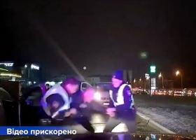 В Киеве пьяный водитель устроил гонки с патрульными, а потом притворялся пассажиром