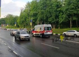 В Харькове из кабины канатной дороги выпал мужчина, его сбила машина