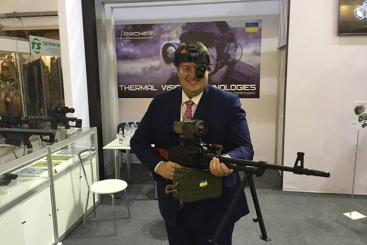 Более миллиона гражданских лиц в Украине - владельцы оружия, - Аваков - Цензор.НЕТ 7287