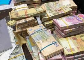 Продавцы брендовой одежды в Киеве уклонились от уплаты налогов на 30 млн