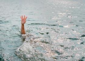 Из озера Тельбин в Киеве достали тело женщины