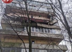 Могли пострадать люди: в столичной многоэтажке обвалились балконы