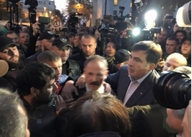 Барна поблагодарил Саакашвили за защиту от его «проплаченной швали»