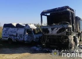 В Одесской области мужчина сжег микроавтобус и грузовик односельчанина