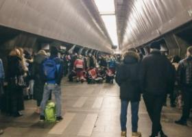 Собралась большая толпа: на станции киевского метрополитена умерла 9-летняя девочка