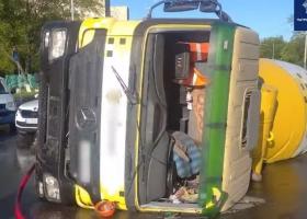 В Киеве пьяный водитель бетоносмесителя устроил ДТП на проспекте