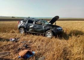 На Николаевщине из-за ямы на дороге перевернулось авто: пострадали 5 человек, в том числе 2 детей