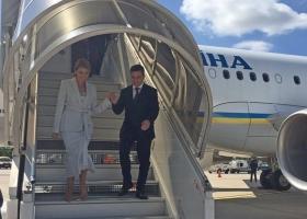 Зеленский прилетел в Париж на президентском А-319 (ФОТО)