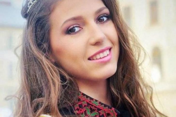 Украинка покорила Всемирный эволюционный конкурс красоты