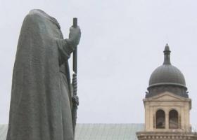 Канадские вандалы обезглавили памятник украинскому святому