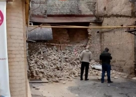 На столичном бульваре Тараса Шевченко рухнула стена