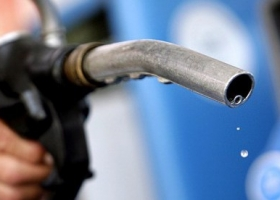Миллионные убытки: таможенники остановили попытку контрабанды топлива под Киевом