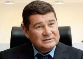 Не слезал с коня по уважительной причине: суд признал право беглеца Онищенко баллотироваться в Раду