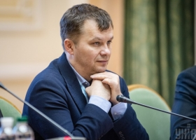 Не премией единой: Милованов опять пожаловался на маленькую зарплату