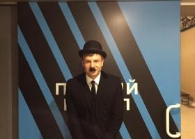 Клоун с манией величия: Гончаренко явился на телешоу в образе Чарли Чаплина