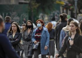 """Почти вся страна """"пожелтела"""": в Украине существенно сократили """"оранжевую"""" зону карантина"""