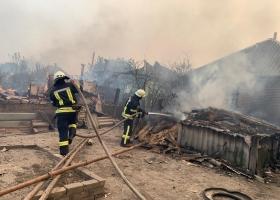 Пострадавшим от пожаров на Луганщине заплатят по 300 тысяч гривень – Зеленский