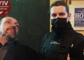Решил развлечься: в центре Киева мужчина устроил стрельбу из пистолета