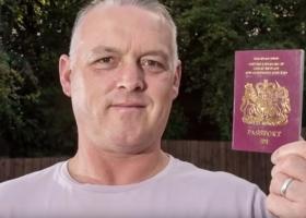 44-летний мужчина и паспорт его 4-летнего сына стали причиной служебного расследования в аэропорту