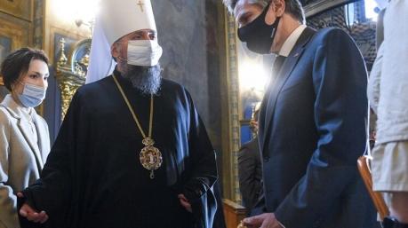После скандала в СМИ Ермак провел доверительную беседу с митрополитом Епифанием