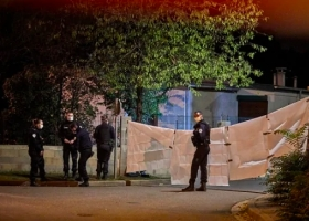 Убийство учителя в пригороде Парижа: полиция задержала школьников по подозрению в соучастии
