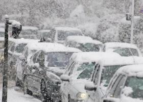Последствия снегопада: перед выходными Киев сковали пробки (карта)