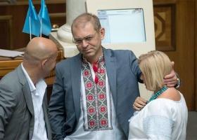Руку Пашинского уличили в исполнении нескольких ролей