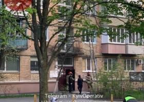 В Киеве ребенок выпал из окна многоэтажки: подробности трагедии и фото