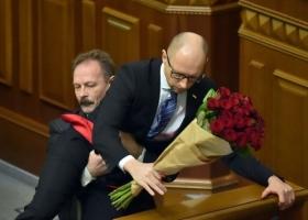 Ни штанов, ни юбок: депутат Барна предлагает запретить любые проявления сексуальной ориентации