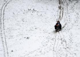 Почти всю Украину накроет снег, но в некоторых областях пройдут дожди: прогноз погоды на сегодня